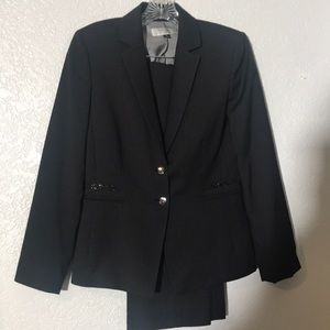 Tahari Pants Dress Suit